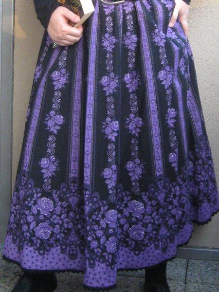 Elfie Szaty » Czarno fioletowa ludowa spódnica